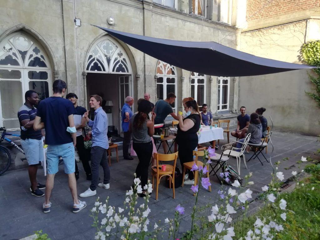 Encuentros con los universitarios en Valanciennes